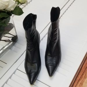 Stuart Weitzman Black Leather Booties sz 10M